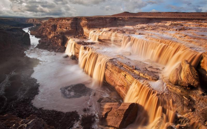 Animated Waterfalls Wallpapers Free Download Hd Canyon Desert Waterfalls Wallpaper Download Free 60674