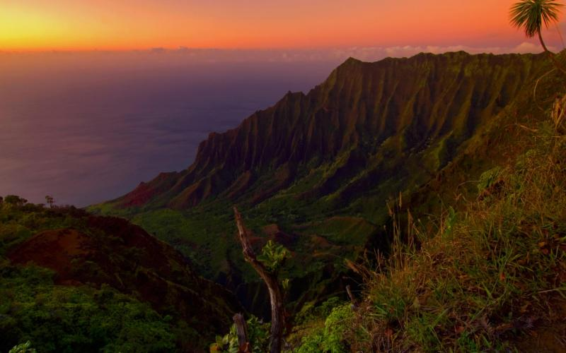 Moving Wallpapers For Girls Hd Kauai Valley Hawaii At Sunset Wallpaper Download Free