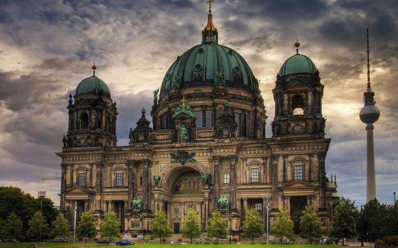 Computer Wallpaper Art Girls In River Hd Old New German Architecture Wallpaper Download Free
