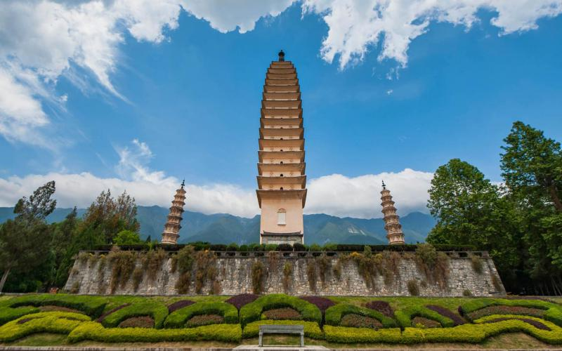 3d Animated Christmas Wallpapers Free Hd The Three Towers Of Dali Yunnan China Wallpaper