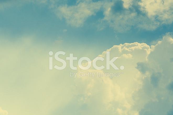 Vintage Cielo  Fondo DE Nubes Fotografías de stock - FreeImages - fondo nubes