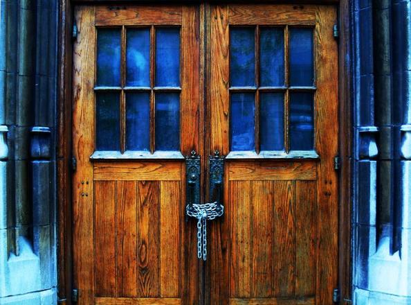 The ... & Closes Door - Sanfranciscolife