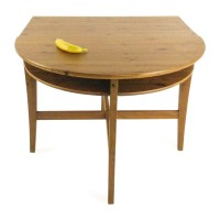 74% OFF - Foldable wooden table / Tables