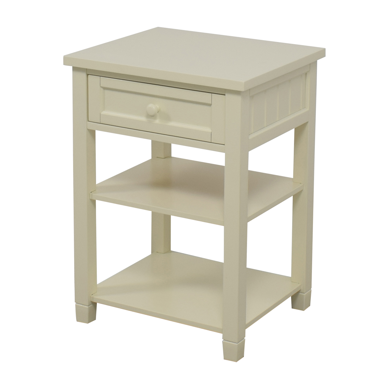 Second Hand Bedside Tables 88 Off Pottery Barn Pottery Barn Beadboard Bedside