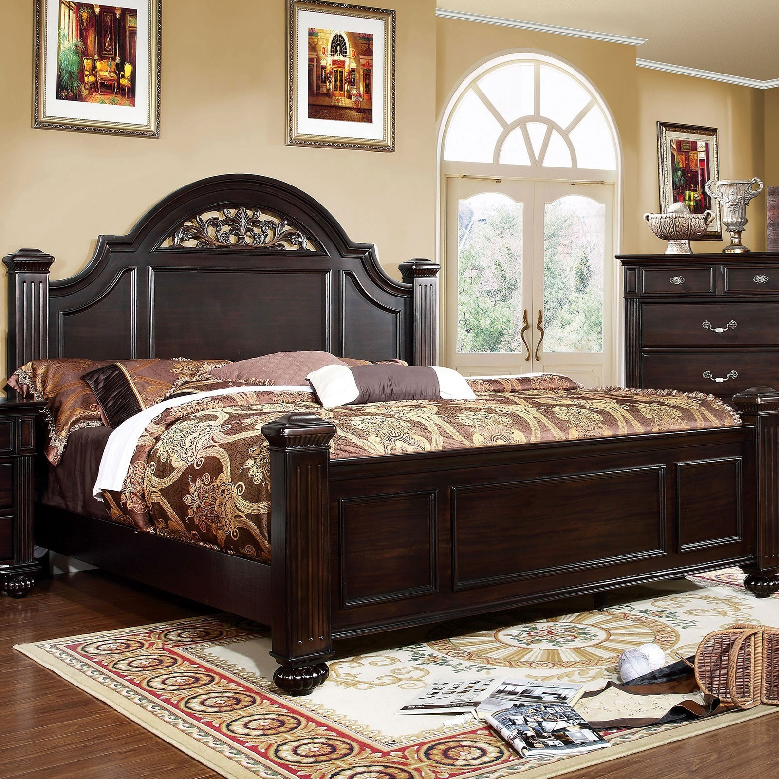 Syracuse Traditional California King Bed With Shaped Headboard Household Furniture Panel Beds