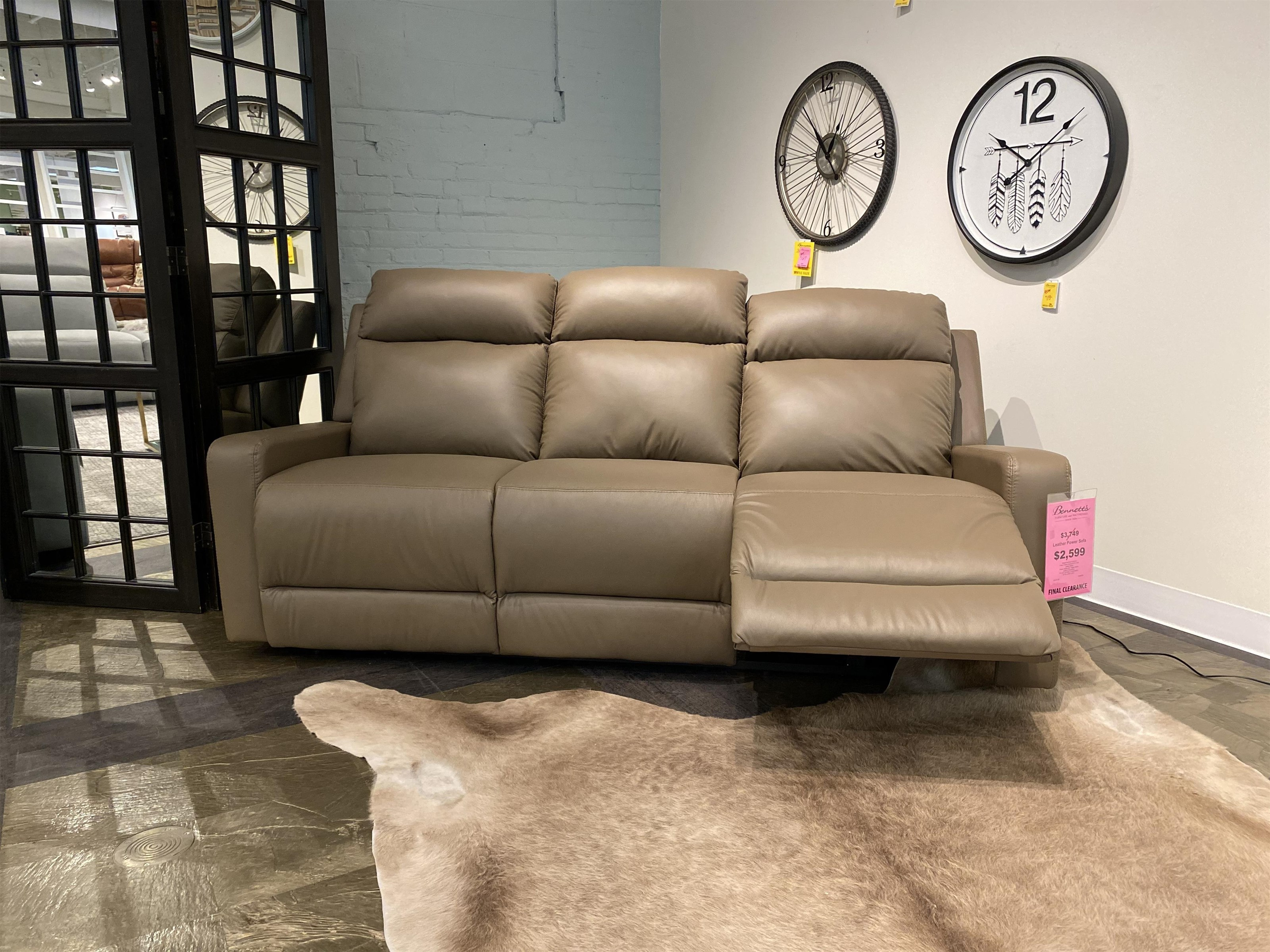 Rockwood Fairmont Leather Reclining Sofa Bennett S Furniture And Mattresses Reclining Sofas