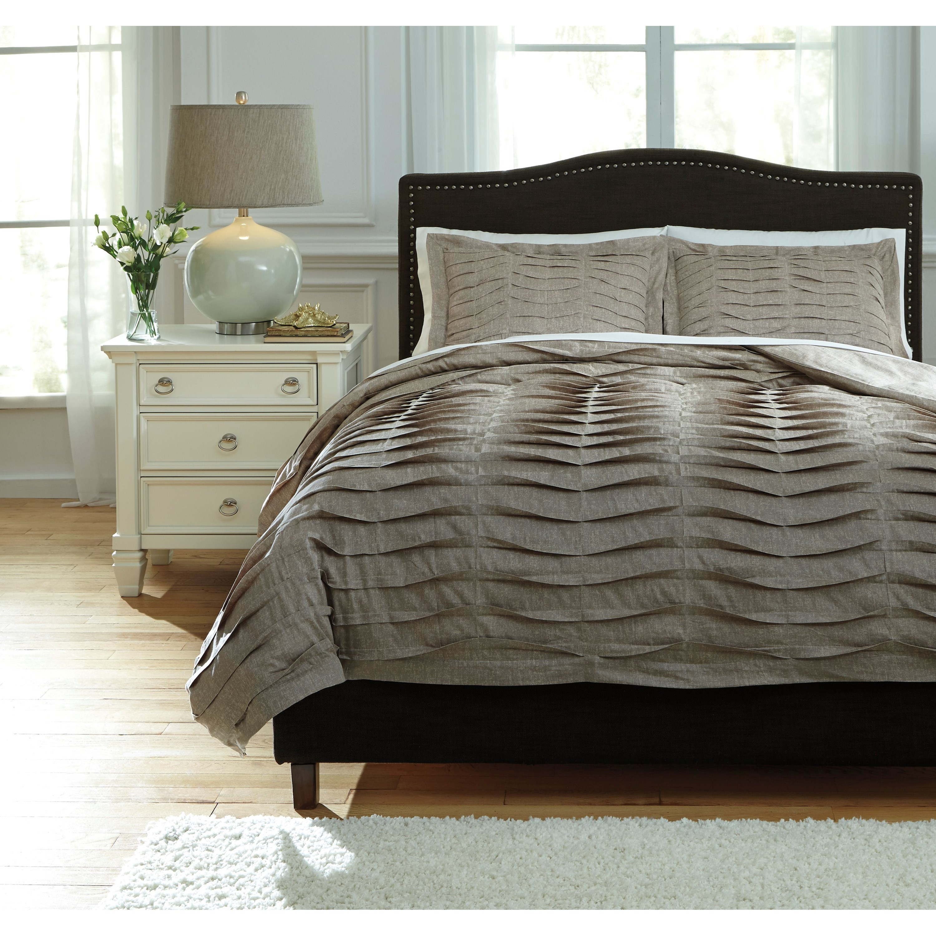 King Duvet Bedding Sets King Voltos Brown Duvet Cover Set By Signature Design By Ashley At Furniture Superstore Nm