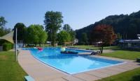Schwimmbad Neuguet - Zrioberland Tourismus