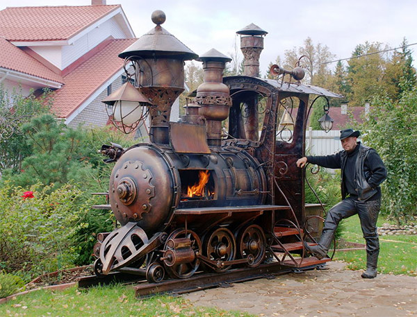 steampunk-train-bbq-1