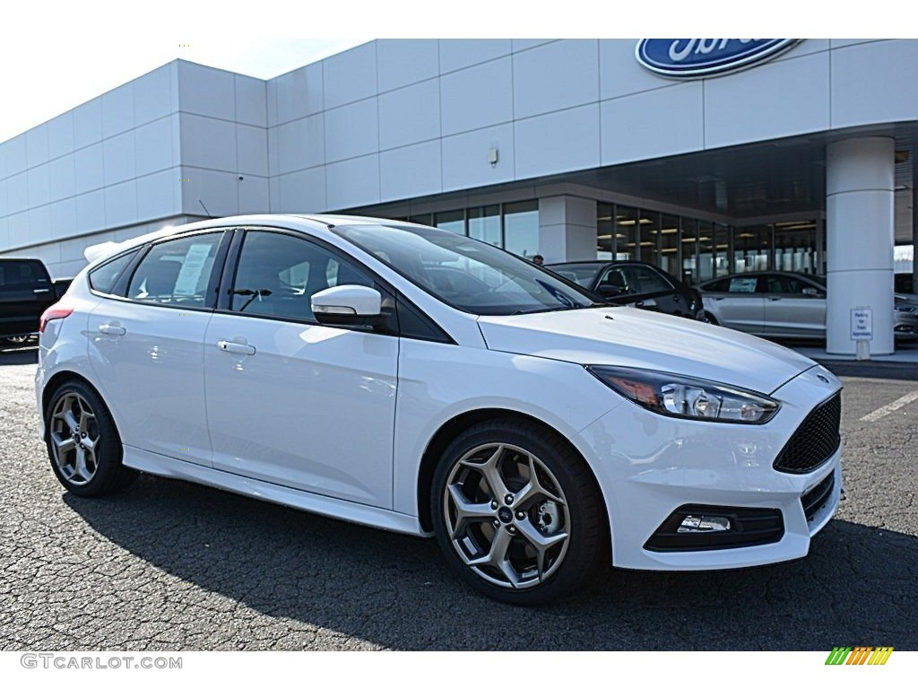 Ford Focus St White 2017 Oxford White Ford Focus St Hatch 118434702