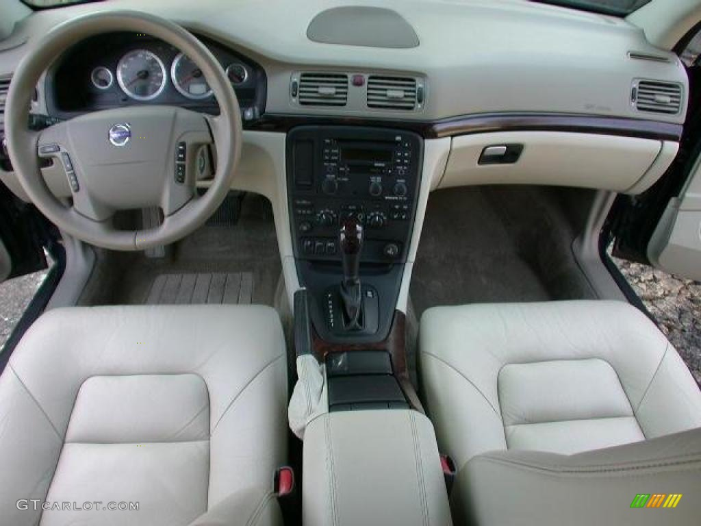 Volvo S80 Interieur Light Taupe Interior 2004 Volvo S80 2.9 Photo #46105751