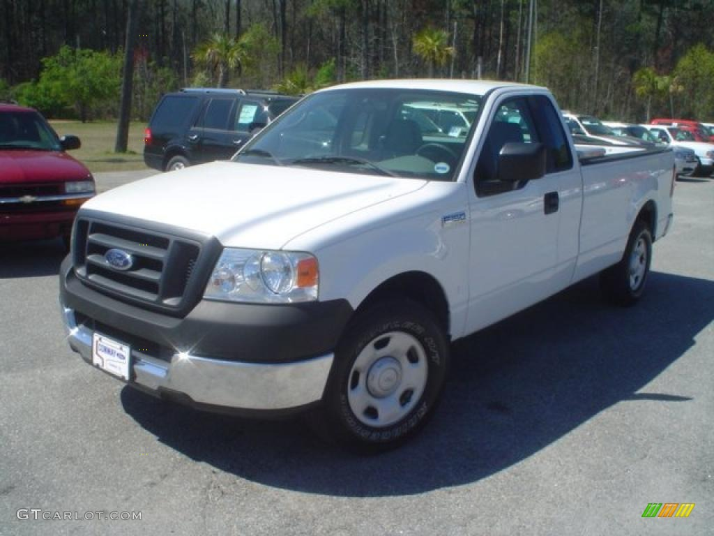 Oxford white 2005 ford f150 xl regular cab exterior photo 46959198