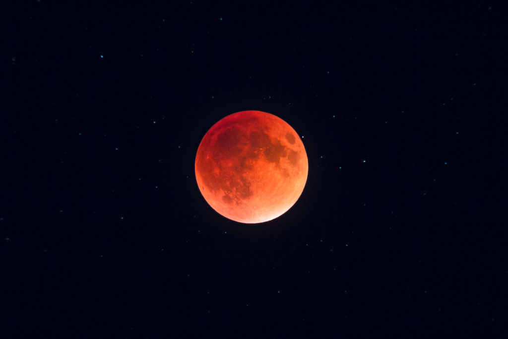 Falling Money Wallpaper Hd What Happens When January S Supermoon Is Also A Blood Moon
