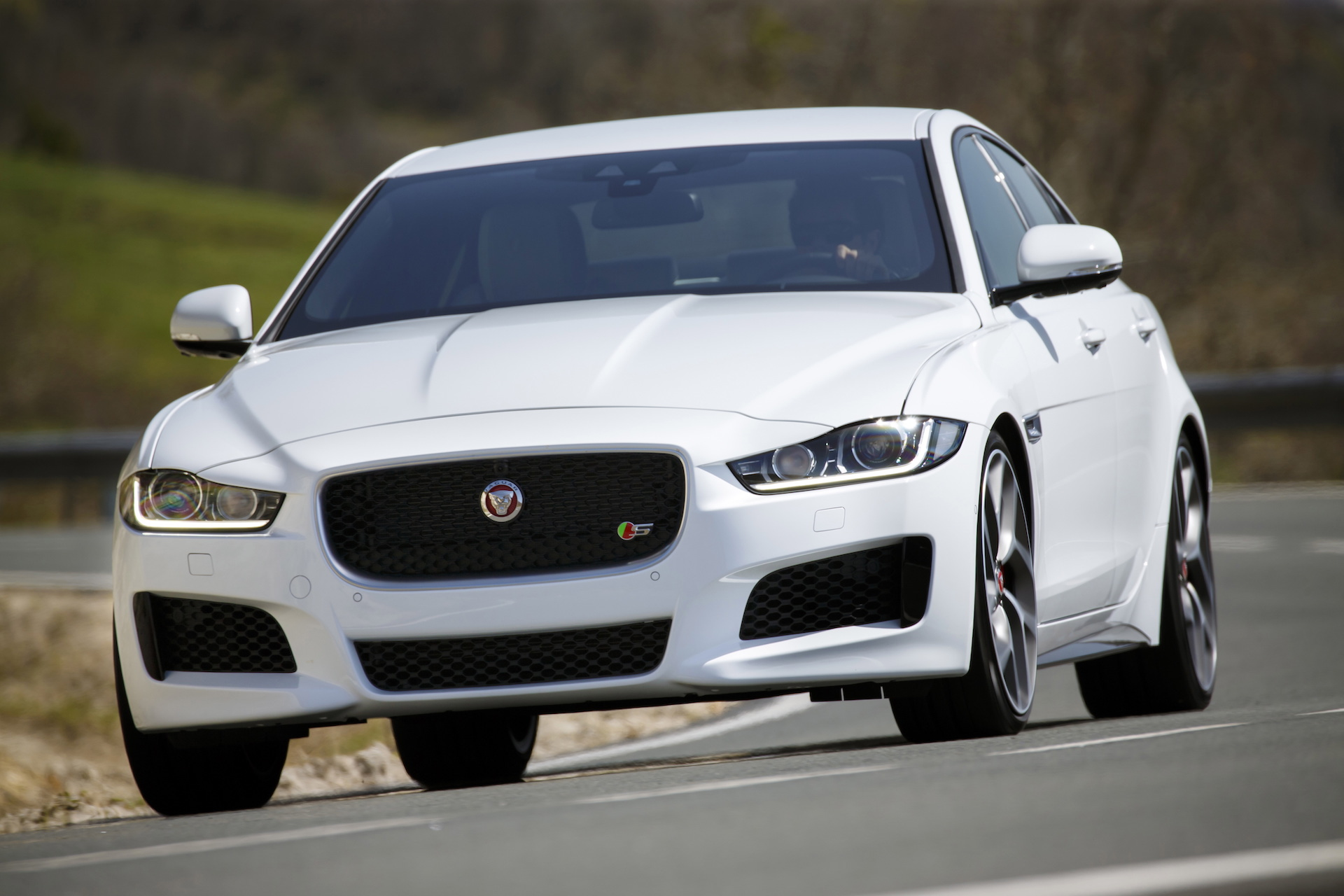 New Cars To Buy 2017 Jaguar Xe Best Car To Buy Nominee