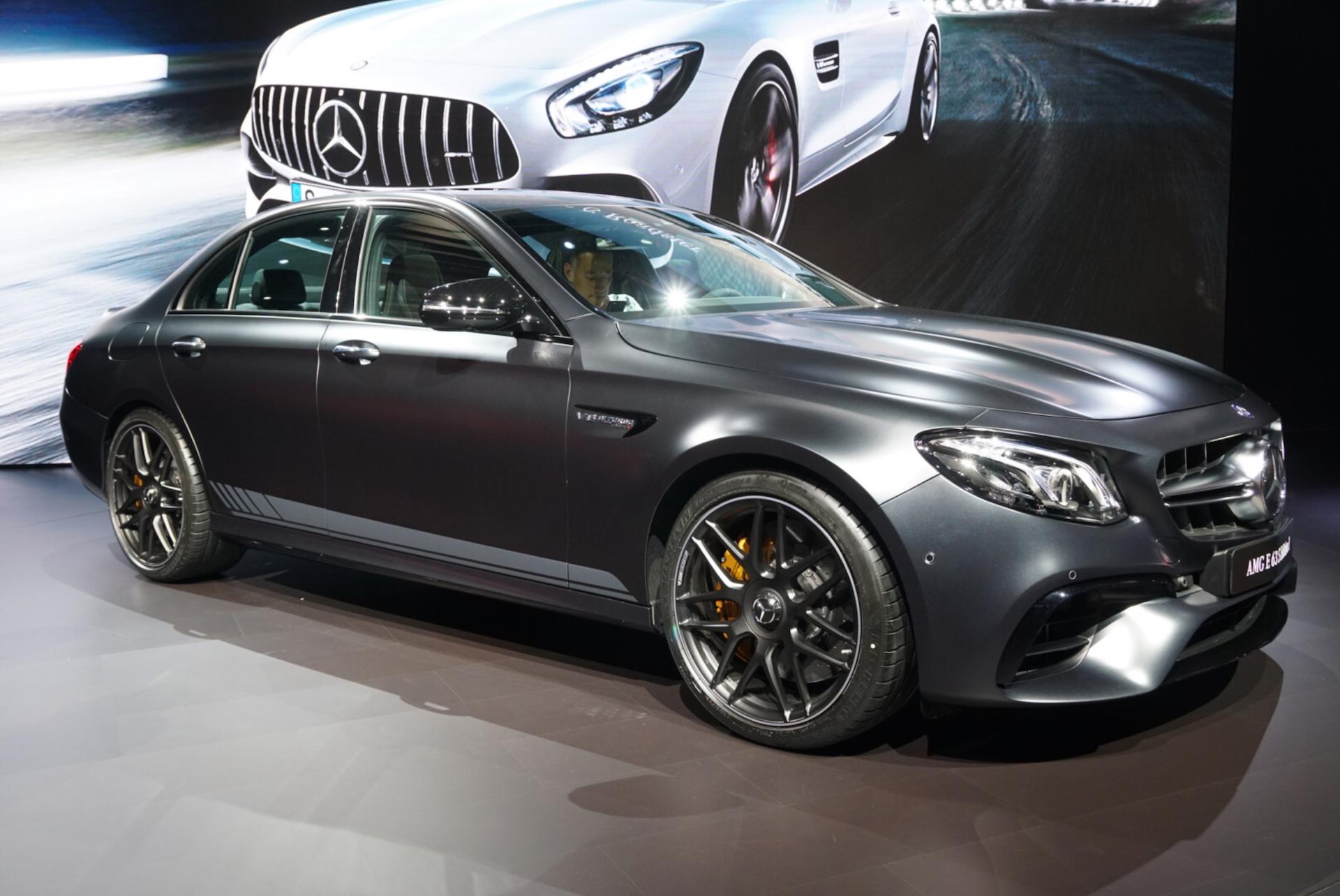 Car Lights Night Wallpaper Mercedes Amg Unveils New E63 At 2016 La Auto Show