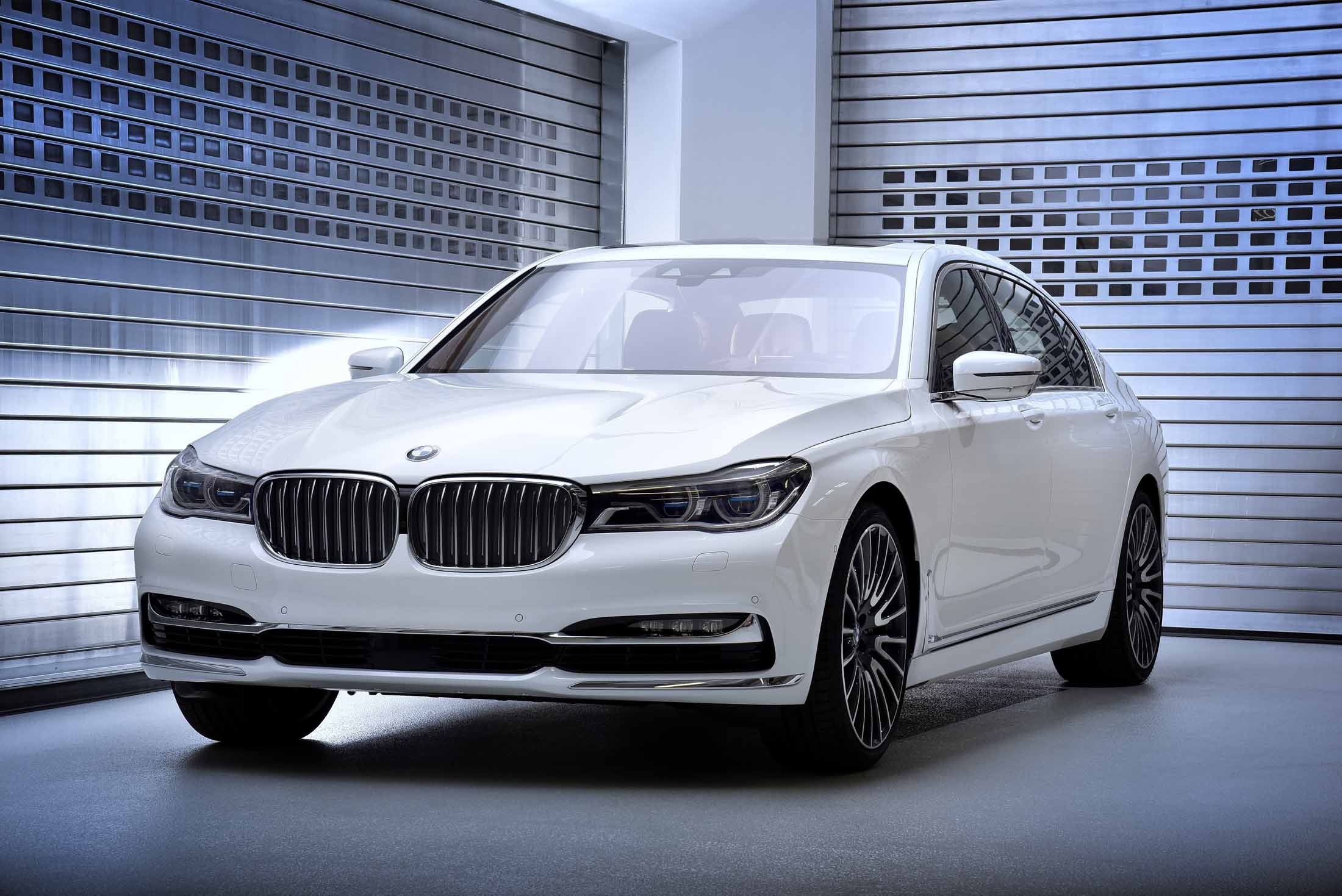 7 Serie Bmw Debuts New Exclusive 7 Series Editions