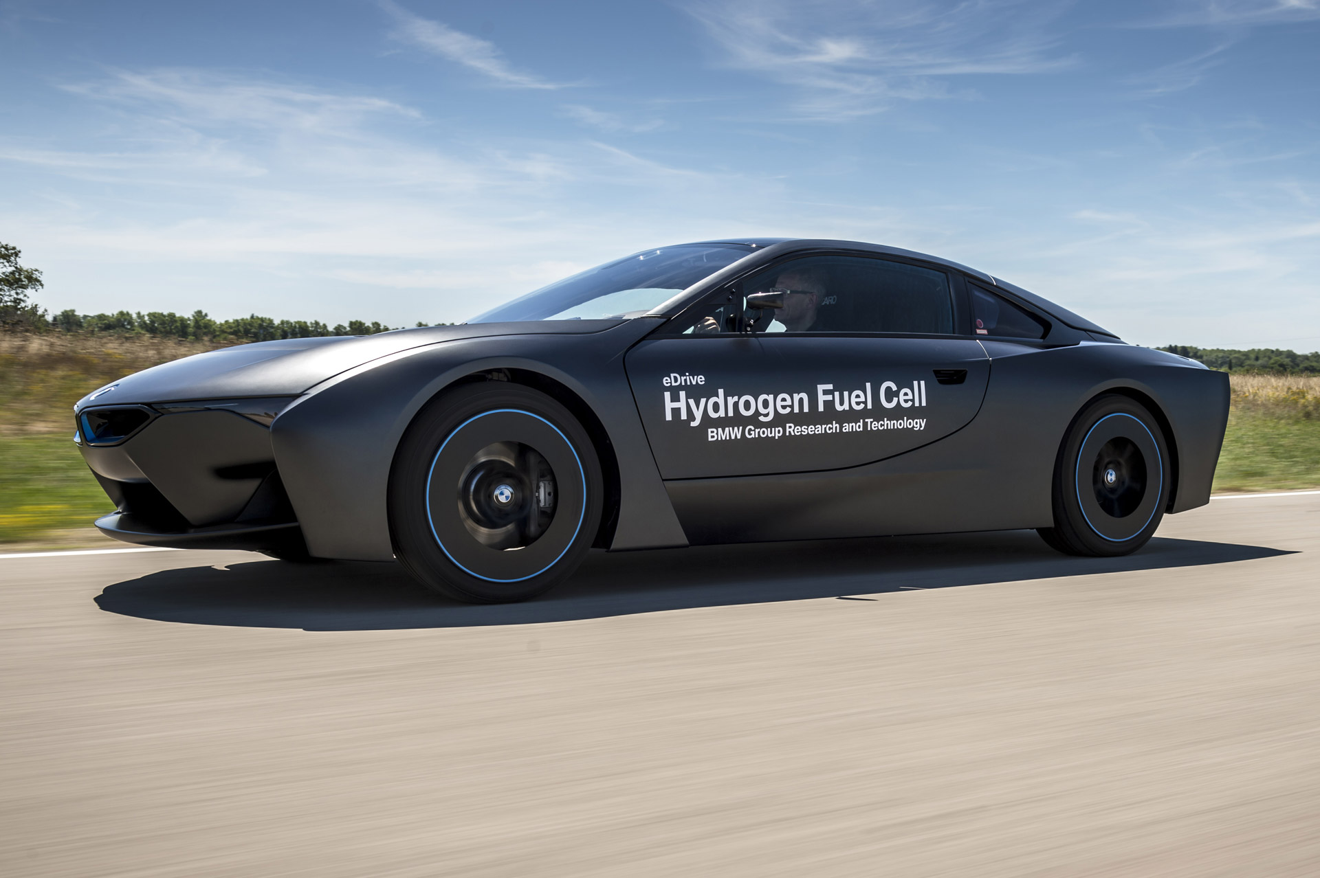 Electric Cars Information Bmw Hydrogen Fuel Cell Prototypes Now Testing Production