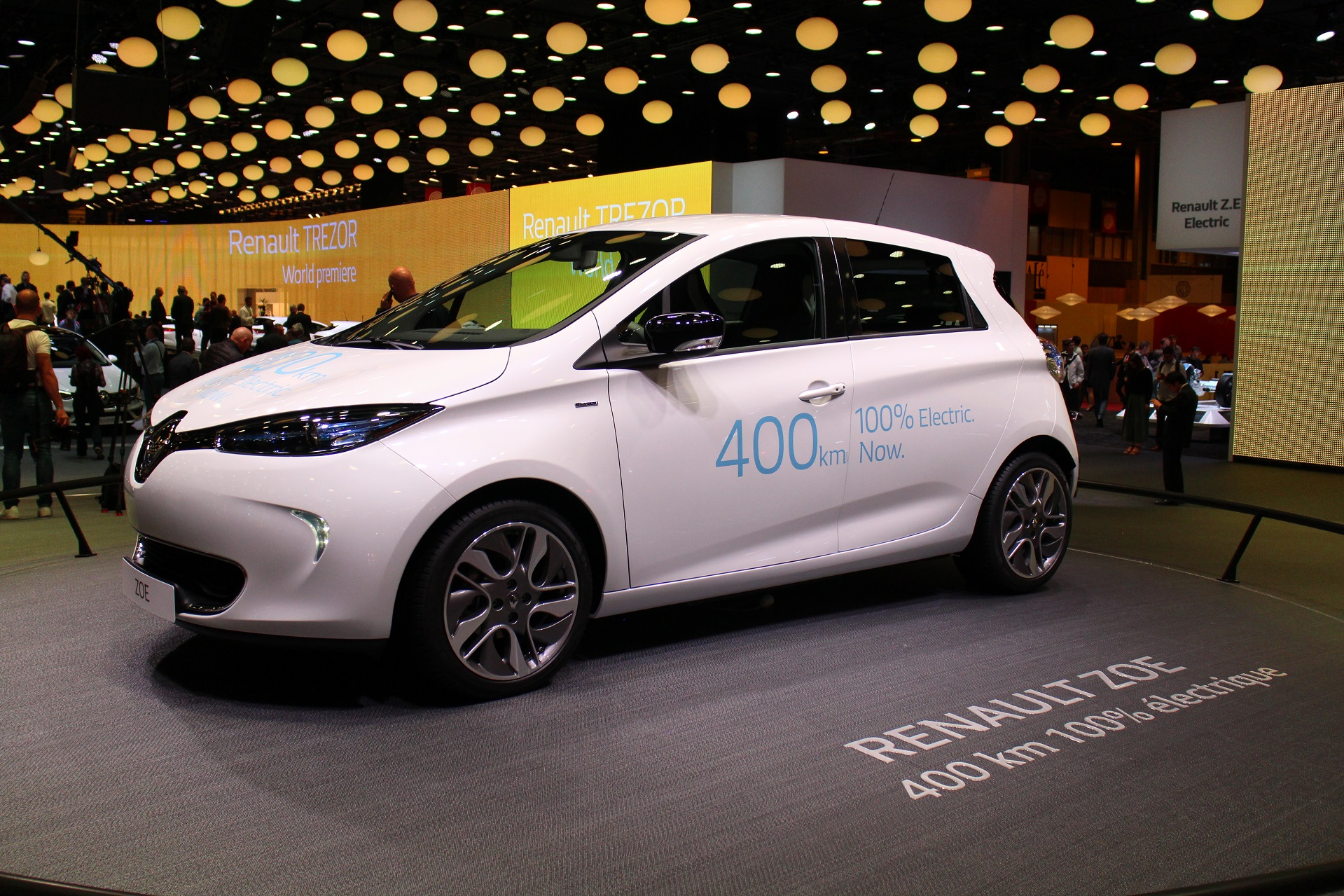 Electric Car Battery Lease Renault Zoe Electric Car Owners Can Double Their Range By