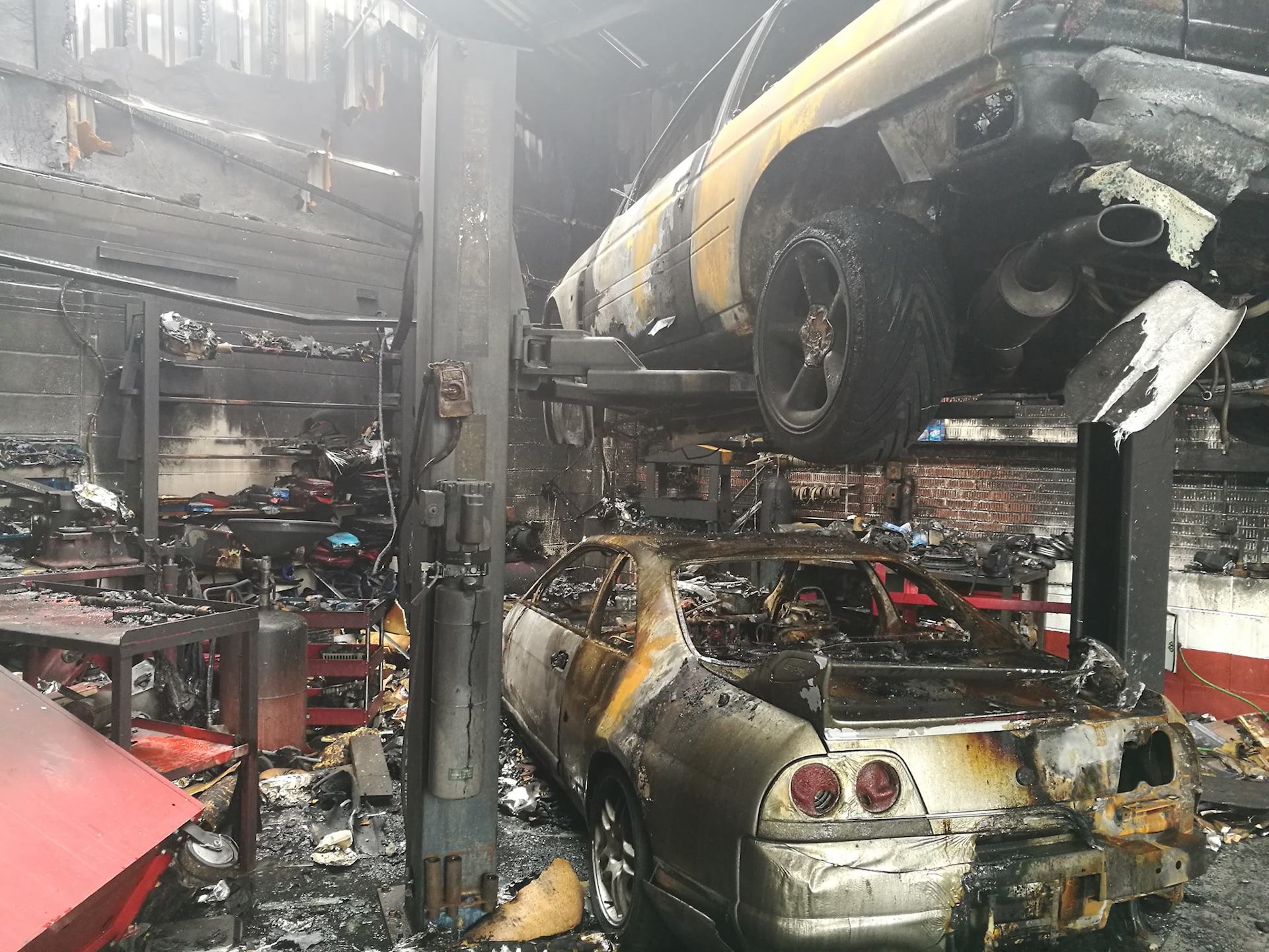Nos Cars Wallpaper Nissan Gt R Hoard Destroyed In Specialty Shop Fire