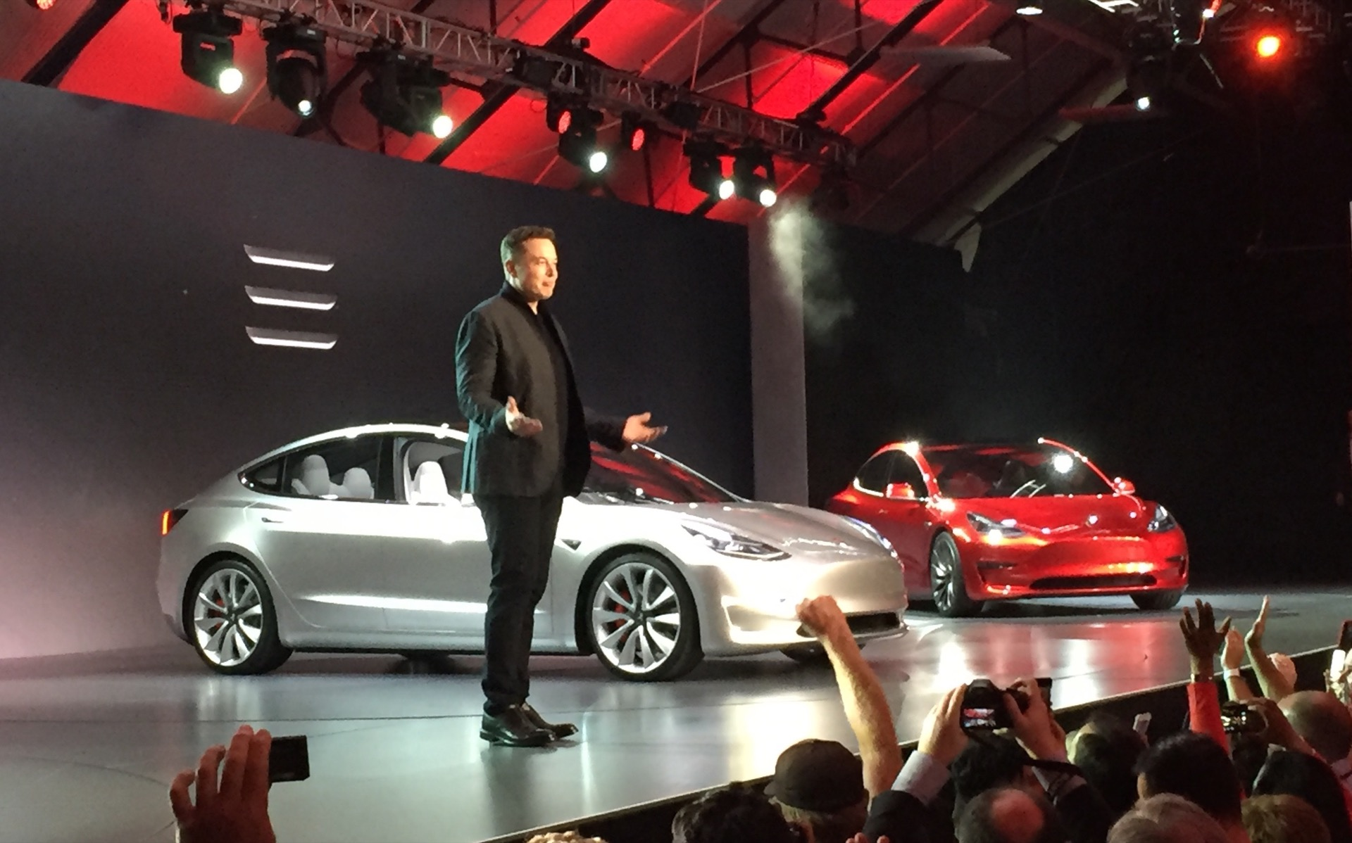 Musk Tesla The Musk Tesla Superchargers Won T Be Free For Model 3 Owners