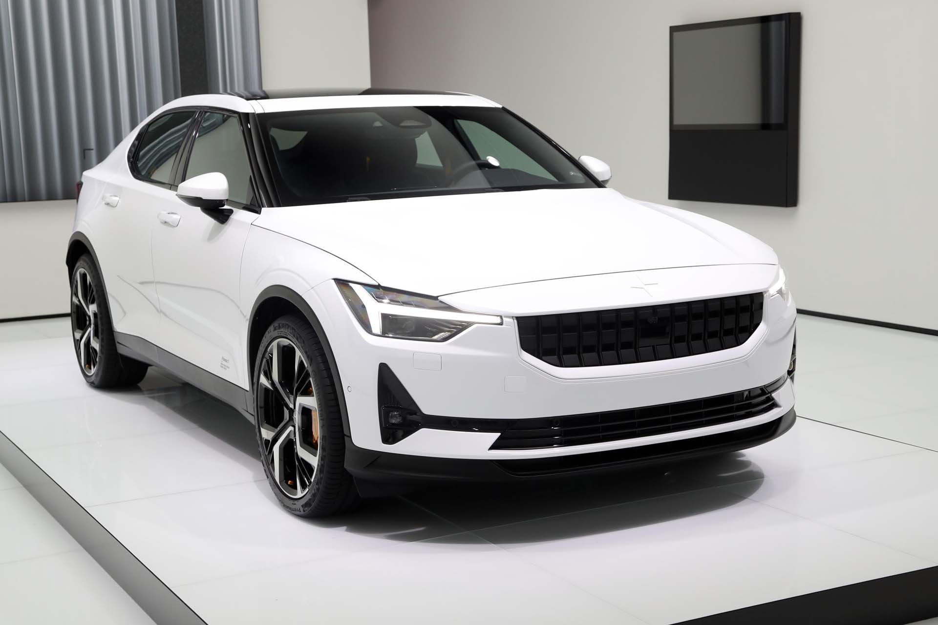 Tesla Model Y Interieur Volvo Taking On Tesla With Chinese Built Polestar 2 Electric Car