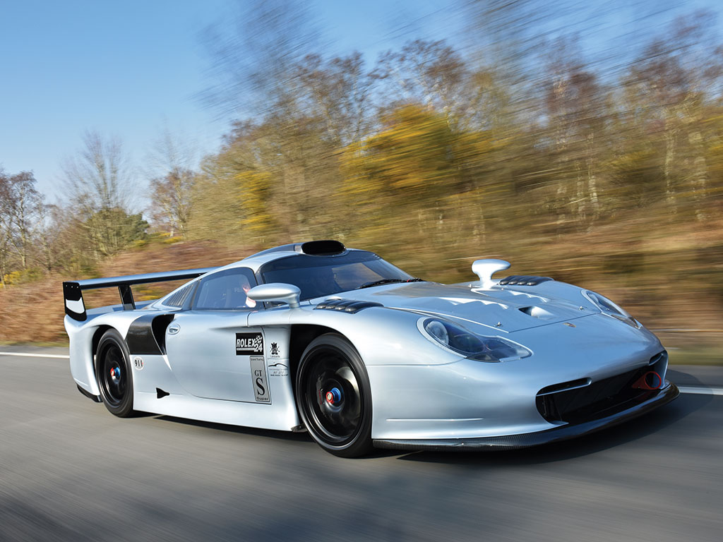 Forza 7 Car Wallpaper Street Legal Porsche 911 Gt1 Evo Racer Sells For 3 14 Million
