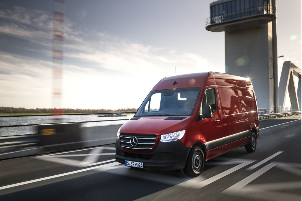 Redesigned 2019 Mercedes-Benz Sprinter van to cost $34,985