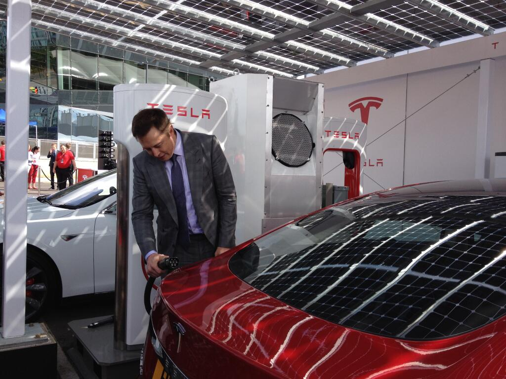 Musk Tesla The Musk Fires Head Of Automation Firm Key To Tesla Model 3 Factory