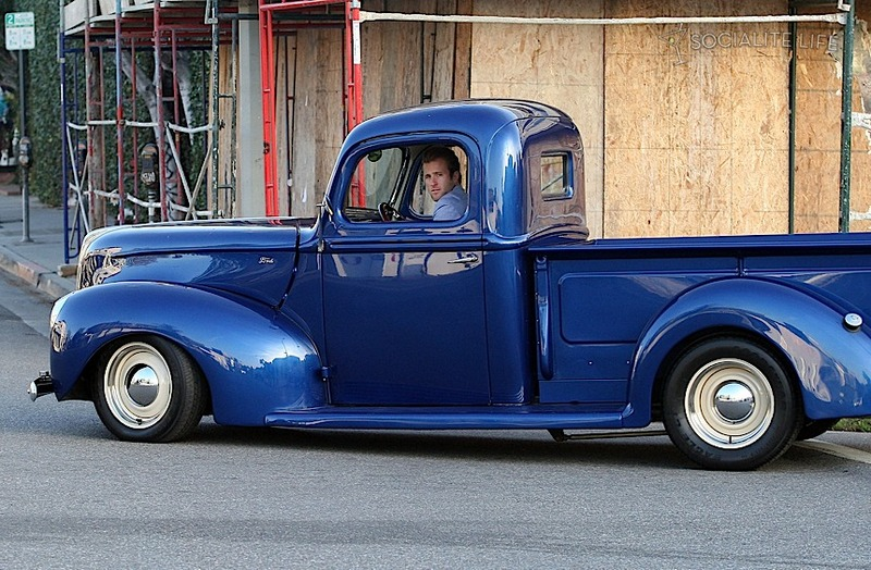Very Cute Couple Wallpaper Scott Caan And His Best Buddy In A Vintage Ford Truck