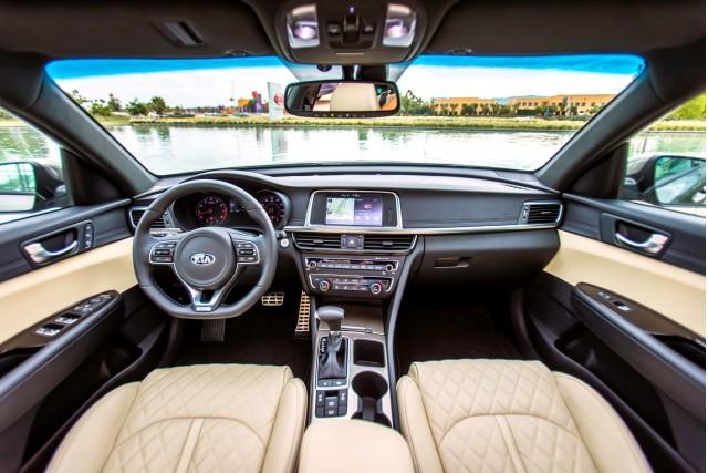2017 Kia Optima Hybrid gas mileage review of mid-size sedan