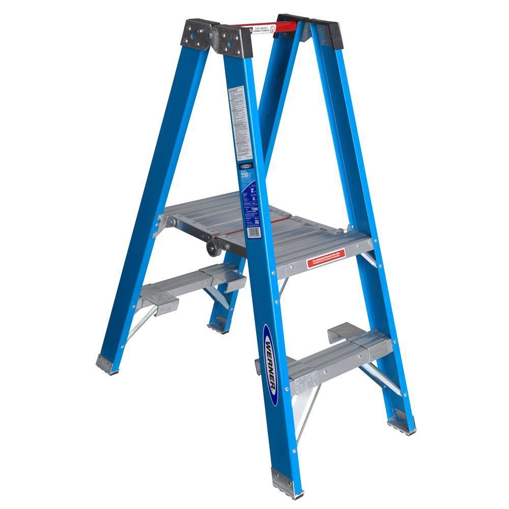 Werner 2 Ft Fiberglass Platform Step Ladder With 250 Lb