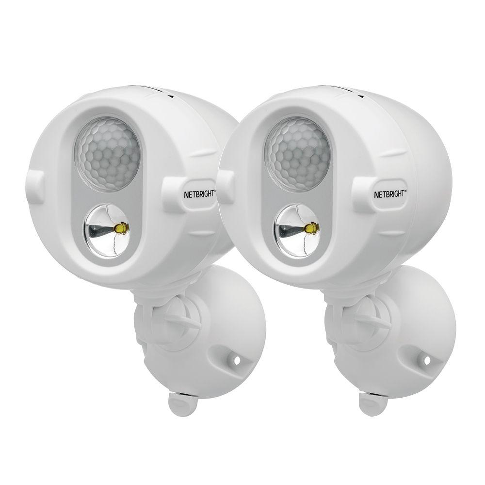 Led Spot Mr Beams Networked Wireless Motion Sensing Outdoor Led Spot Light System With Netbright Technology 200 Lumens 2 Pack