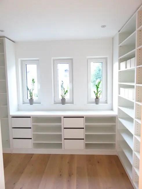 Wohnhaus por alegroo - interior design homify - ankleidezimmer