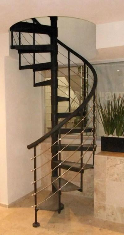 Escalera caracol CHICHEN ITZA de Suvire Escaleras | homify