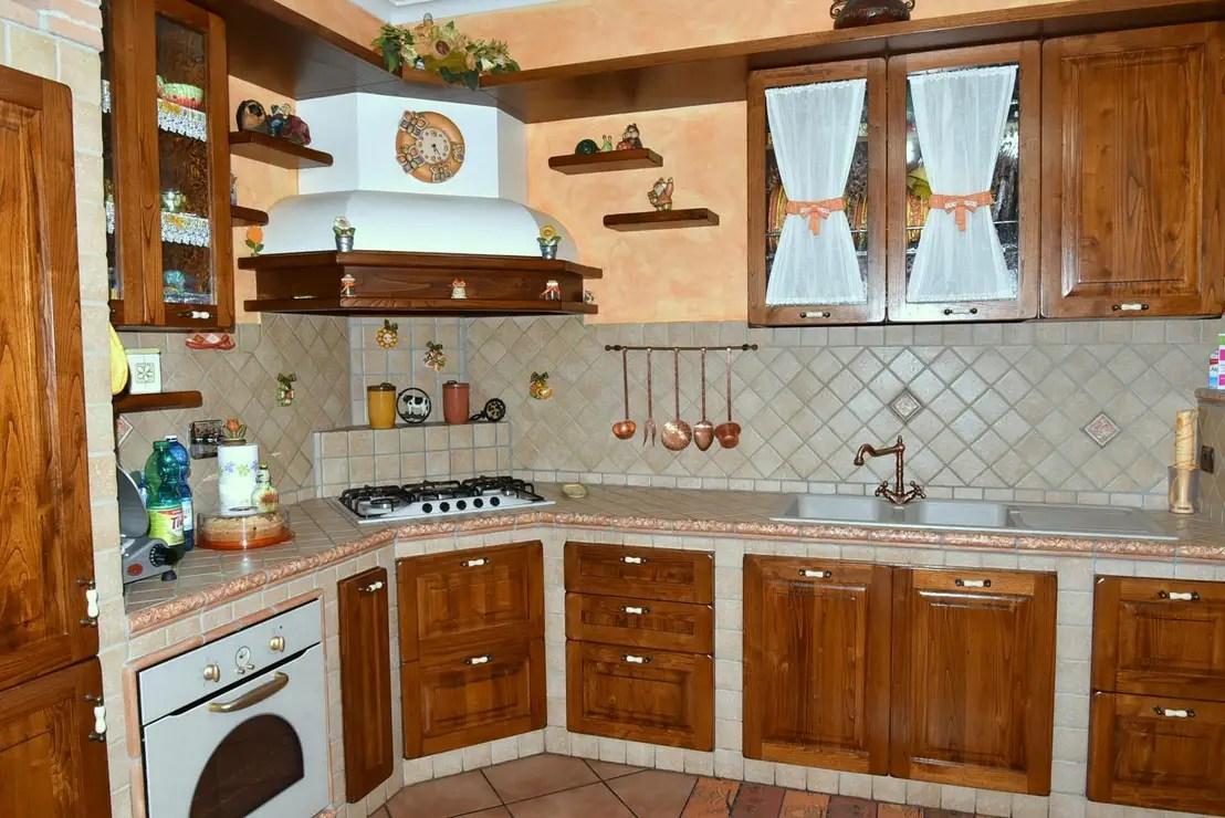 Cucina in muratura per baita mobili cucina per montagna design