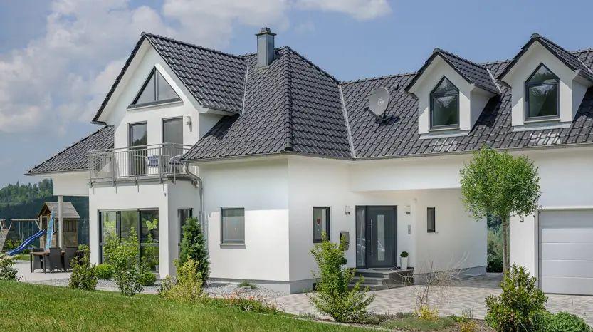 Haus Modern Walmdach Groes Weies Modernes Haus Mit Auto Electrical