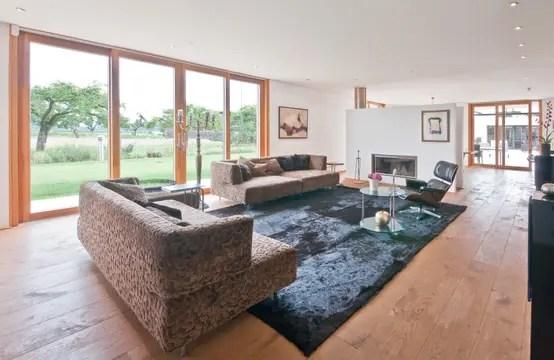 Wie kann ich große Räume gemütlich einrichten? - groses wohnzimmer einrichten
