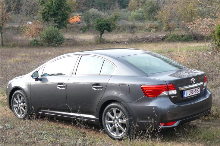 Car Manufacturers With D Toyota Avensis 2012 Road Test Road Tests Honest John