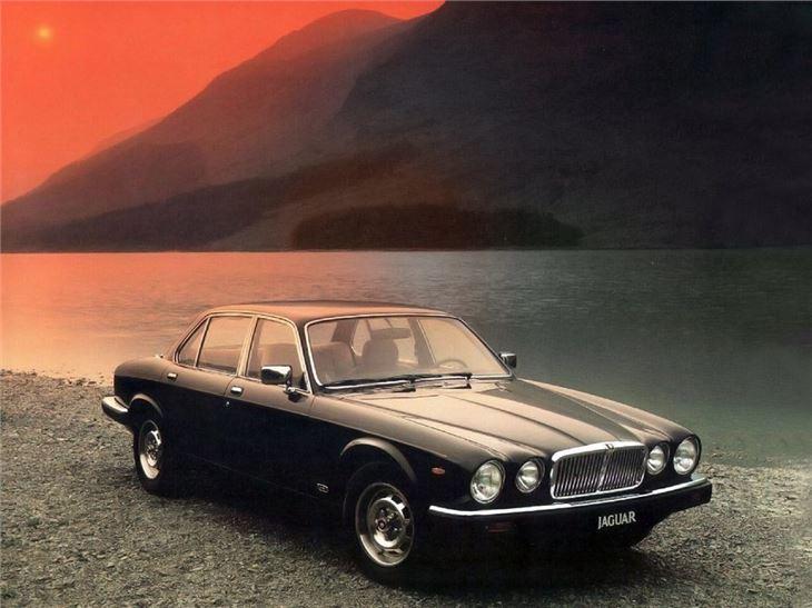Free Classic Car Wallpaper Jaguar Xj6 Xj12 Classic Car Review Honest John