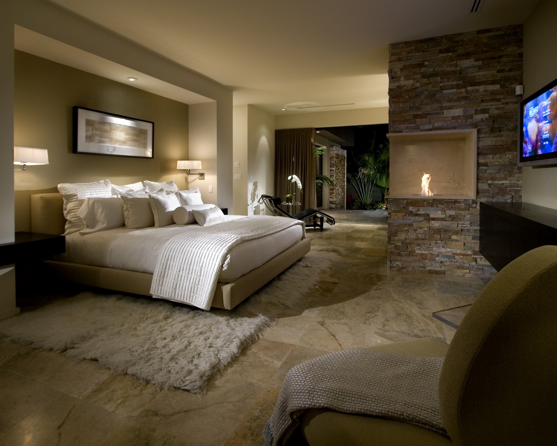 Modern Master Bedroom 6 Bedrooms With Fireplaces We Would Love To Wake Up To