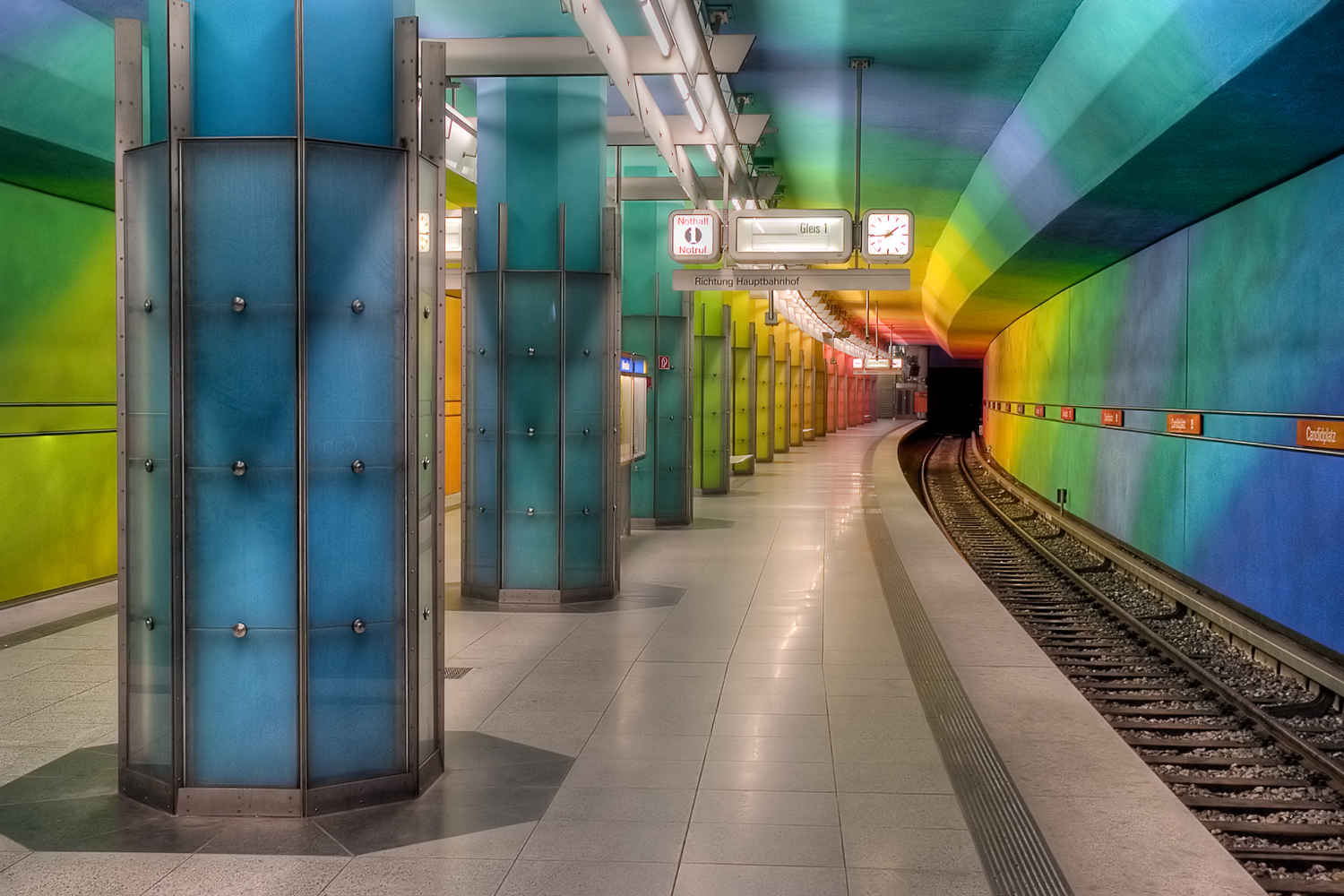 U Bahn Hamburg Messe The Coolest Subway Stations In The World Huffpost