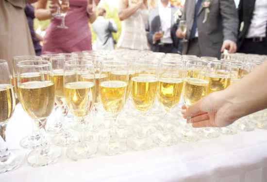 2015-06-05-1433519257-3998222-wedding_3.jpeg