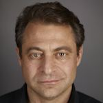2015-10-21-1445466461-5737418-Peter_Diamandis_Headshot.jpeg