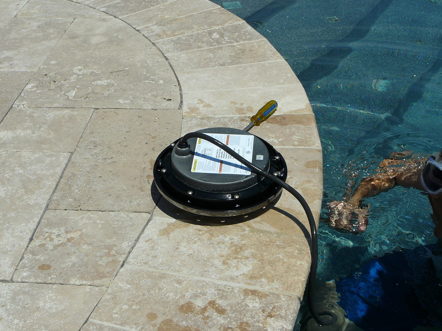 Jacuzzi Underwater Pool Lights How To Replace A Pool Light Fixture Inyopools