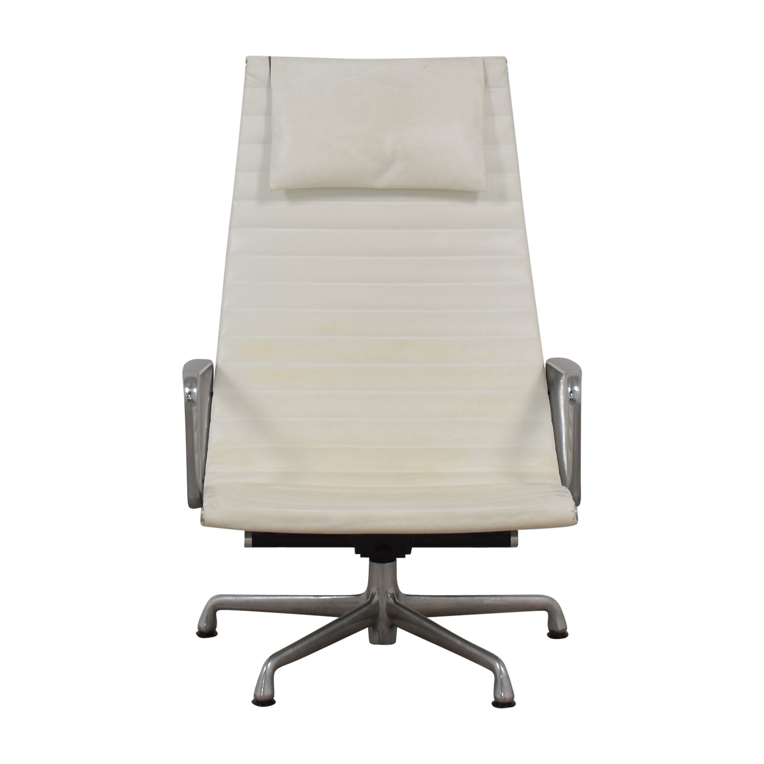 Chair Price 84 Off Herman Miller Herman Miller Eames Aluminum Group White