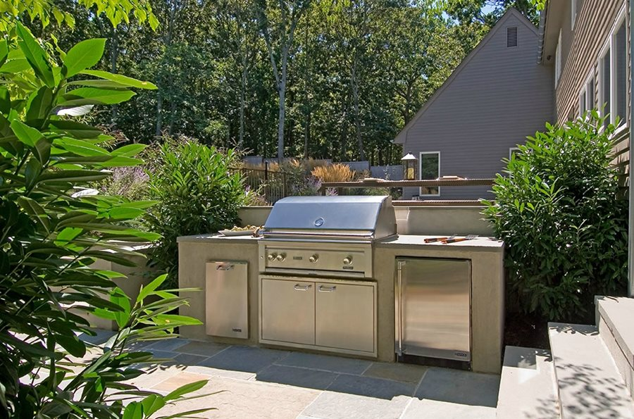 Outdoor kitchen layouts samples amp ideas landscaping network