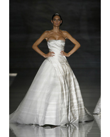 wife nip slip dress