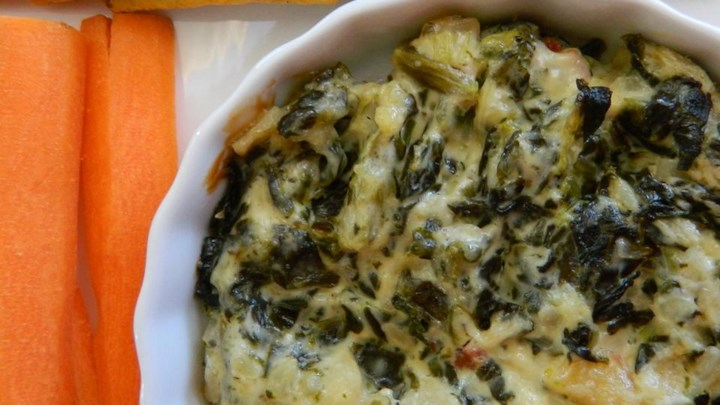 Paleo Spinach Artichoke Dip with Water Chestnuts