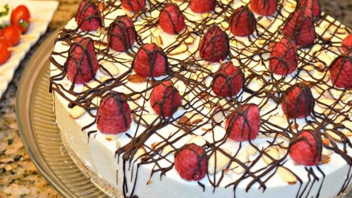 Paleo Laurie's Amaretto Mousse Cheesecake