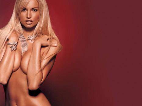 hottest super model on earth nude